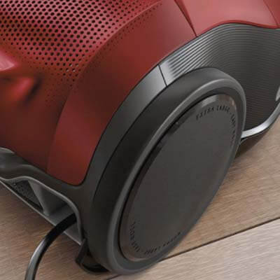 Electrolux Pure D9 Chili Red detalle rueda
