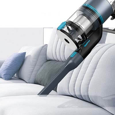 Limpiando sofá