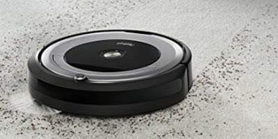 Roomba 680 limpiando alfombra