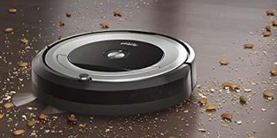 Roomba 680 limpiando suelo duro
