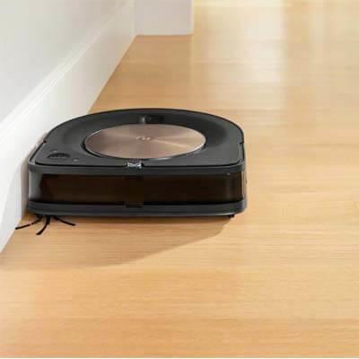 Roomba S9+ limpiando