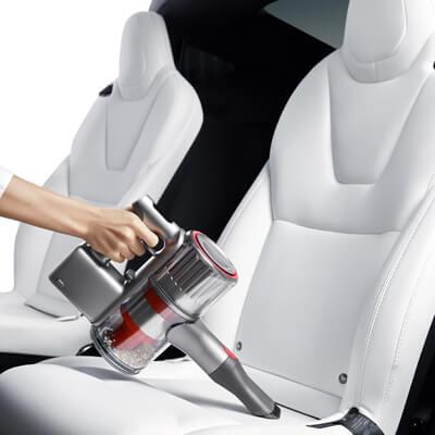 Aspirando los asientos del coche